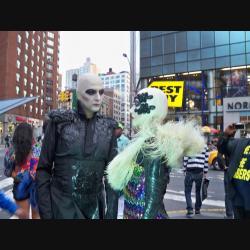 Androides en la calle de Nueva York